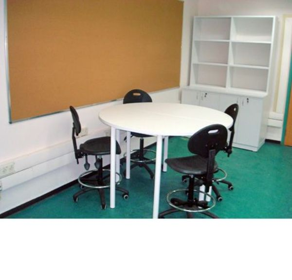 שולחן מעבדה עגול