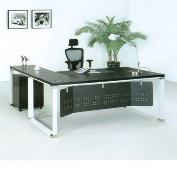 אוסקר | שולחן מנהל עם ארגז מגירות-583